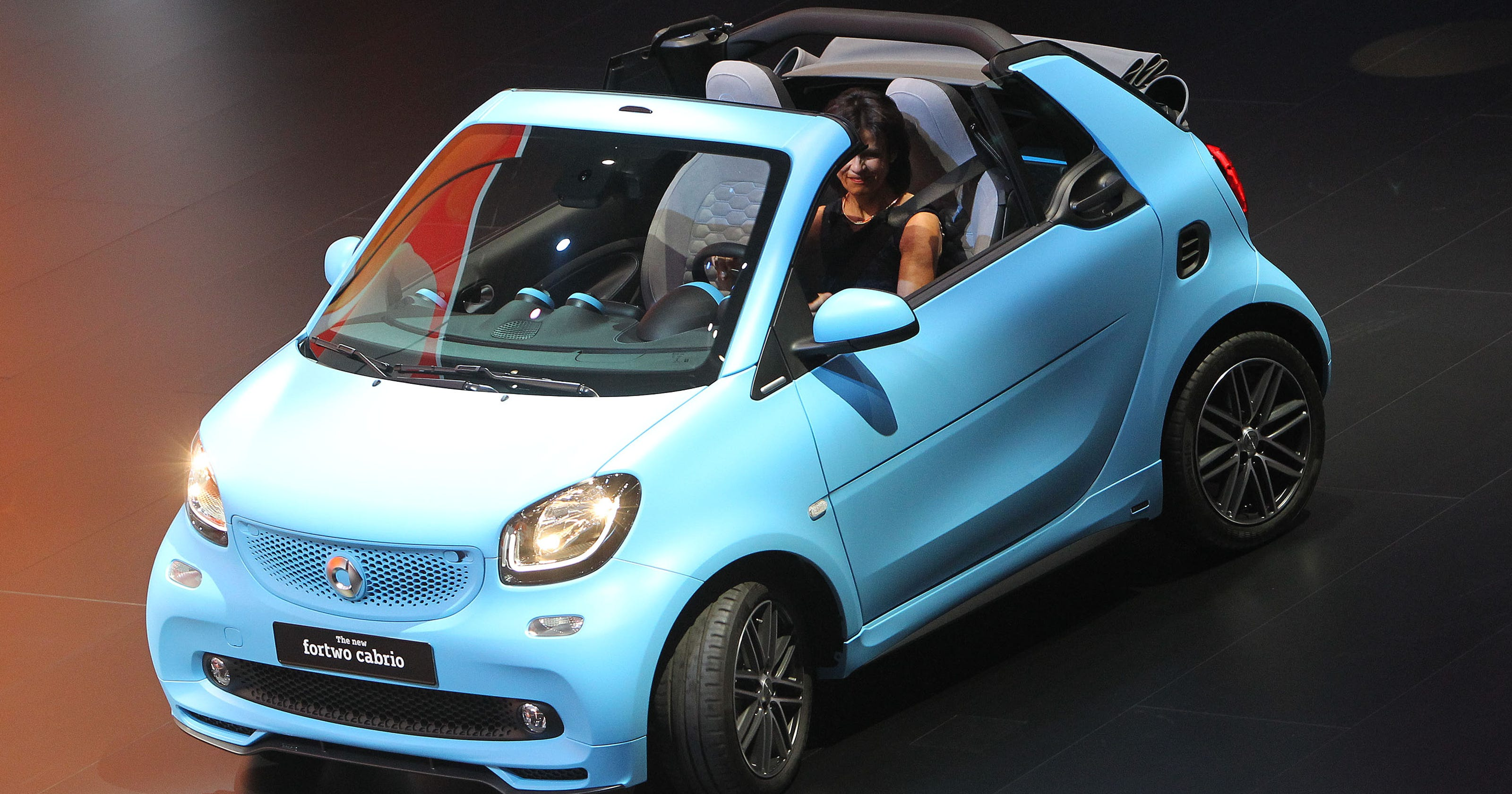 mercedes to stop selling gas-powered smart car in u.s.