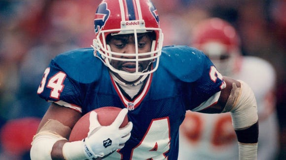 Thurman Thomas rushed for 186 yards and 3 TDs in the 30-13 win over the Chiefs.