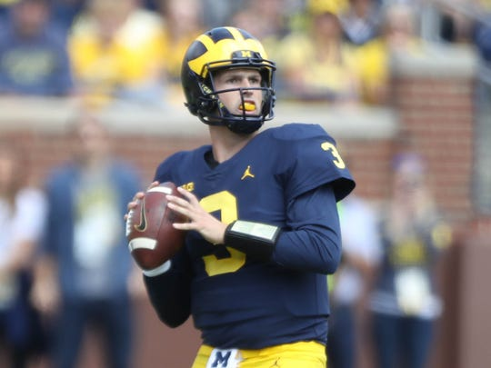 Michigan's Wilton Speight passes against Cincinnati in the second quarter Saturday, September 9, 2017 at Michigan Stadium.