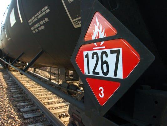 IMG_Oil_Trains_First_Res_2_1_4J5VA0DM.jpg_20131222.jpg