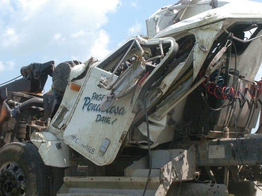 KEW 0731 damaged cab.JPG