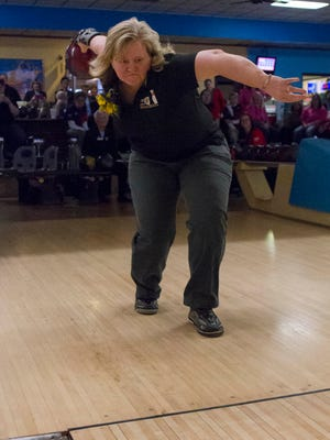 Lisa Bishop honored at the Michigan State USBC WBA 88th Annual Champion held at M-66 Bowl with the Roling of the First Ball.