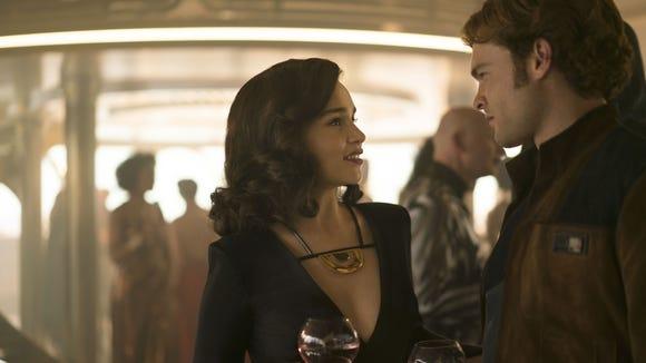 Qi'ra (Emilia Clarke) reunites with her old sweetheart