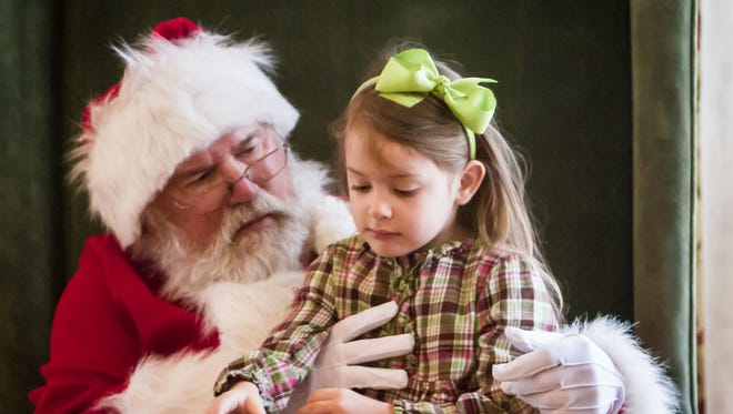 This year's HolidayFest Breakfast with Santa benefits Bows & Ballcaps.