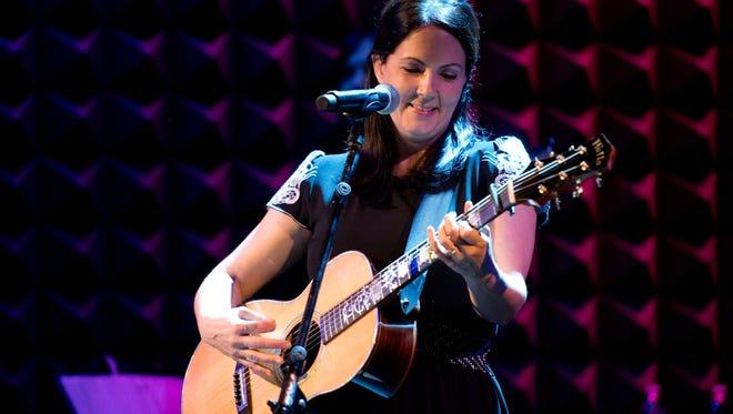 Lori McKenna will play the CMA Theater on Aug. 17.