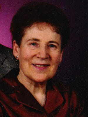 Gwendolyn Elsie (Stauffer) Chesher born June 23rd, 1933 in Edmonton, Alberta, Canada, joined her Lord October 3rd, 2014 in Fort Collins, Colorado.