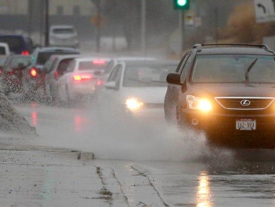 636547426723570688-MJS-weather-flooding-traffic---desisti-2775.JPG