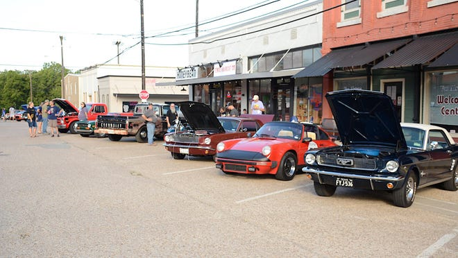 Cars & Coffee is scheduled from  8-10 a.m. Oct. 3 in downtown Van Alstyne.
