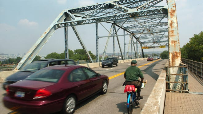 The Fourth Street Bridge from Covington to Newport is on the list of priority projects in the newly completed Kenton County Transportation Plan. Enquirer file 2007 The Enquirer/Patrick Reddy