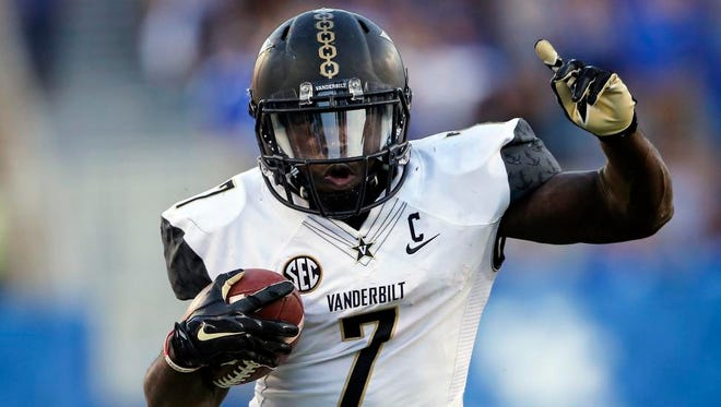 Vanderbilt running back Ralph Webb runs the ball against Kentucky in 2016.