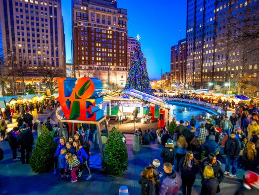 The Christmas season in Denver essentially begins with the opening of the Christkindl Market at downtown's Skyline Park. This annual market features German artisans selling their wares, not to mention food stalls that specialize in German food and German beer.