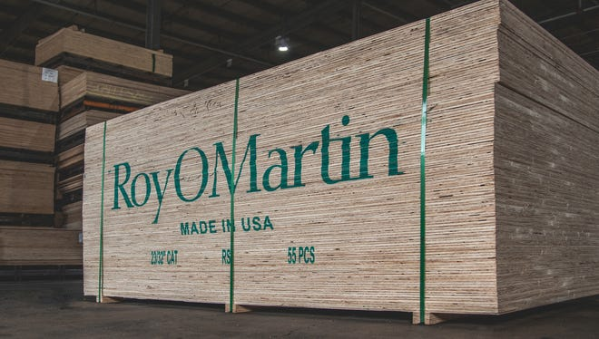 RoyOMartin announced an $8 million expansion to its plywood plant in Chopin Monday that will create 14 new direct jobs.