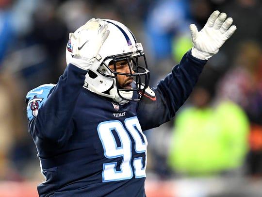Titans defensive tackle Jurrell Casey (99) calls for