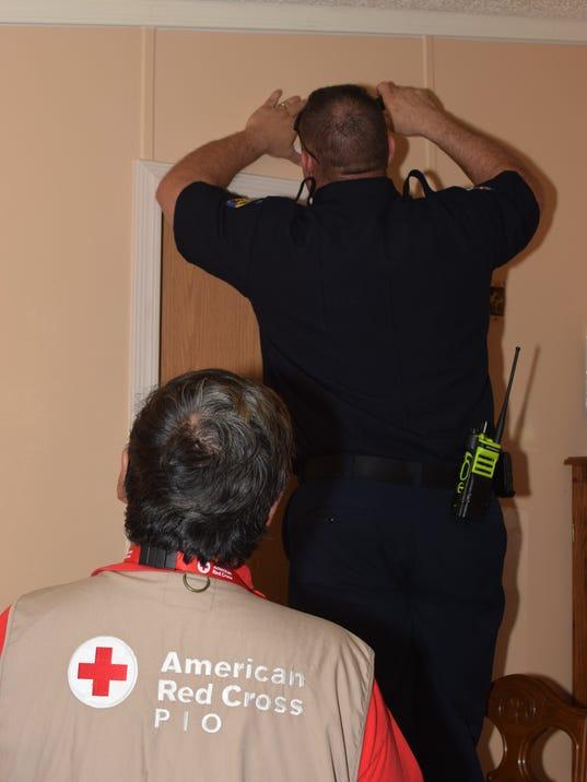 Red-Cross-smoke-alarm-installation.jpg