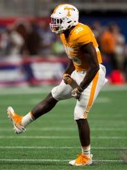 Tennessee linebacker Daniel Bituli (35) celebrates