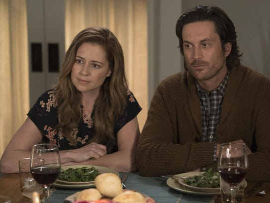 Fischer and Oliver Hudson play a married couple who