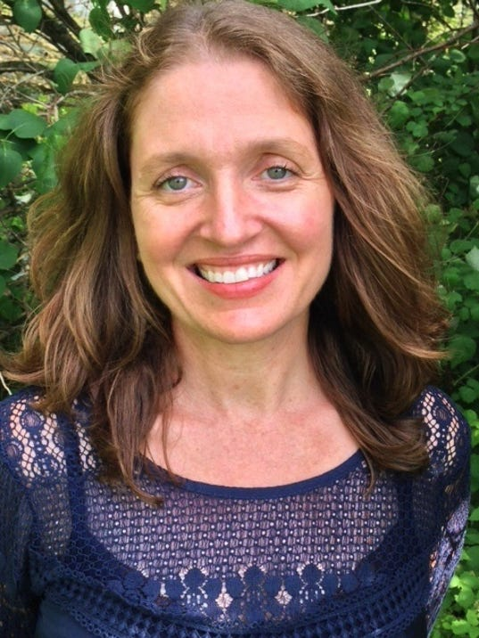 BUR20151030-Suzanne-Kelly