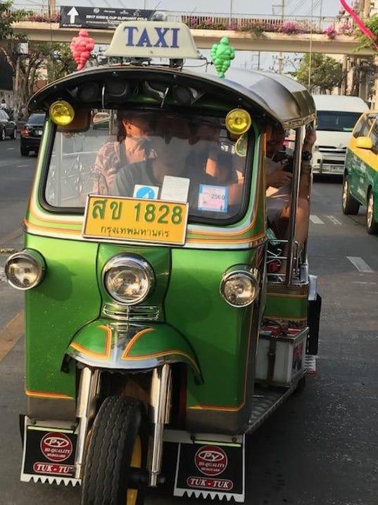 Shiels col tuktuk 107