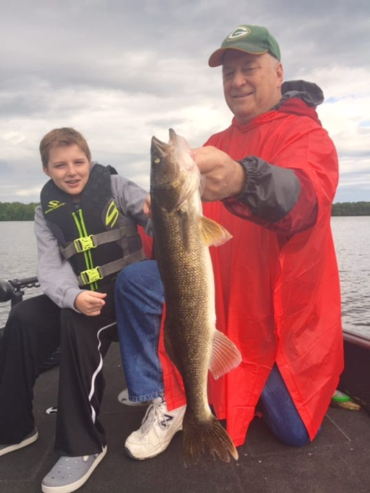 Lake michigan green bay fishing report for may 24 for Green top fishing report