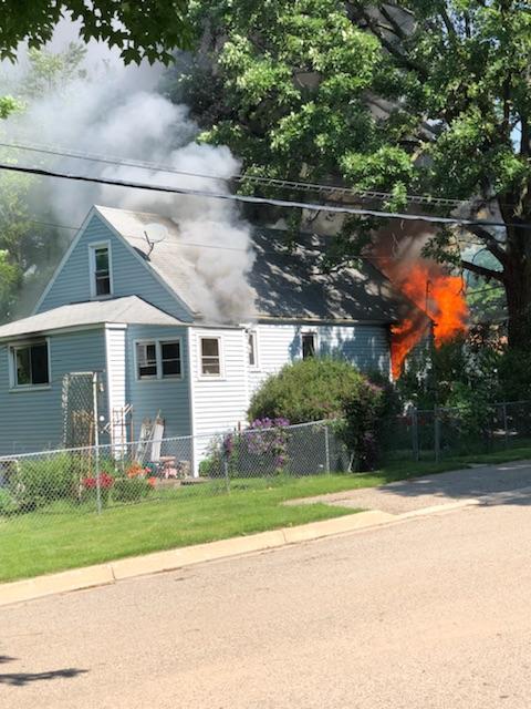 Lovely Police U0026 Fire: Dogs Die In House Fire