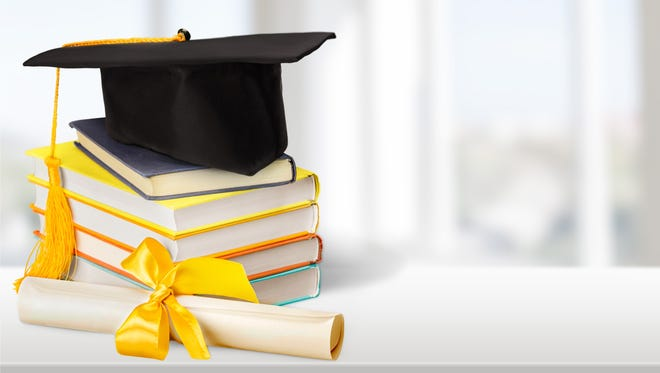 High school graduation rates rose in NY in 2015.