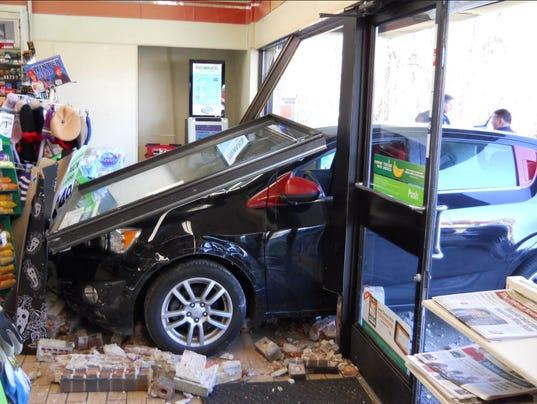 636481548707864671-7-11-crash-photo.JPG