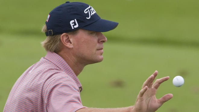 Steve Stricker of Madison will attempt to qualify for the U.S. Open at Erin Hills.