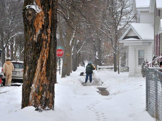 635515024906250009-Snow-photo-3
