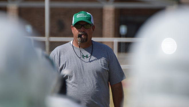 Hamlin football coach Russell Lucas will receive an award for his work in the community.