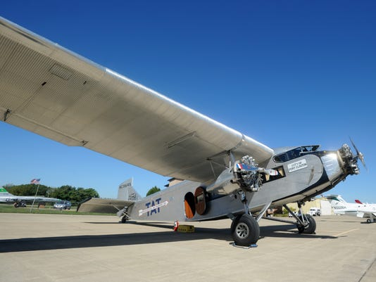 635787090831121159-02-zan-vintage-plane-0925