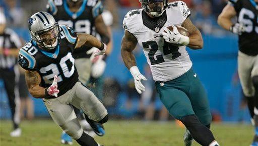 Eagles' running back Ryan Mathews (24), shown last season against Carolina, didn't practice Friday because of an illness.