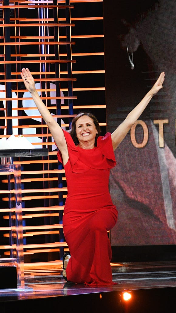 Molly Shannon ends her Spirit Awards acceptance speech