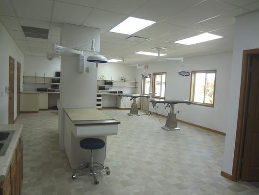 635993529166332296-Surgery-Suite.jpg