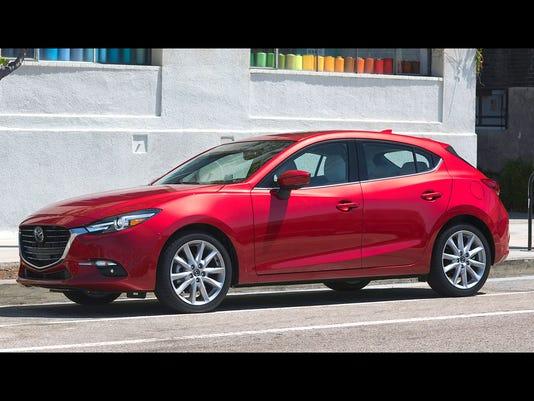 636154906164017892-2017-Mazda3-03.jpg