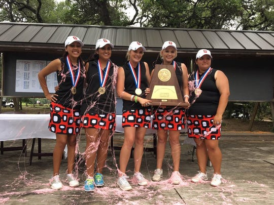 Sonora girls golf at the 2017 state tournament.