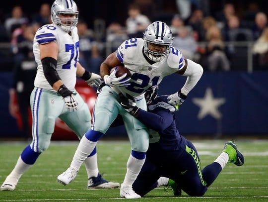 Dallas Cowboys running back Ezekiel Elliott (21) is