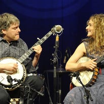 Bela Fleck, Abigail Washburn to play trio of benefit shows