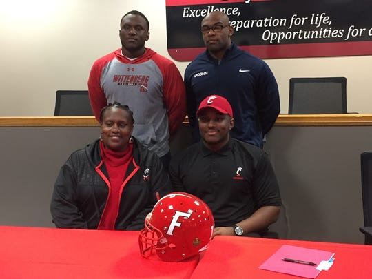 Fairfield High School football player Malik Vann signed