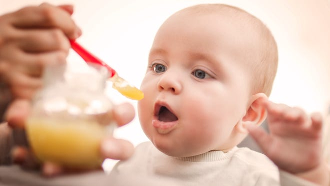 Low levels of lead in baby food could be lowering children's IQ's, a new report from the Environmental Defense Fund says.