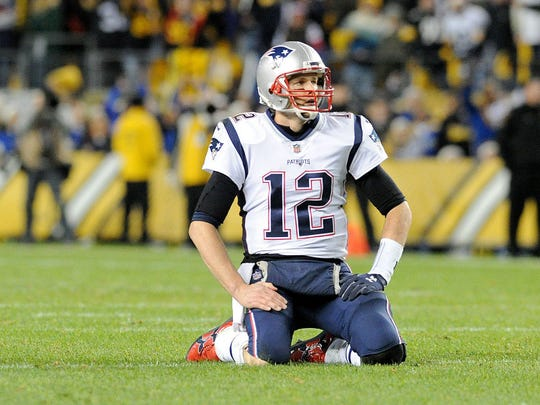 Tom Brady reacts during the Patriots' Week 15 loss to the Steelers.