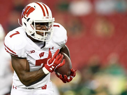 Aug 30, 2019; Tampa, FL, USA; Wisconsin Badgers running back Bradrick Shaw (7) runs the ball for a touchdown during the second half against the South Florida Bulls at Raymond James Stadium. Mandatory Credit: Douglas DeFelice-USA TODAY Sports