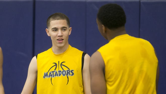 Phoenix Shadow Mountain point guard Michael Bibby, who missed most of his junior season because of a knee issue that finally has been corrected, is showing college recruiters that he can play major-college basketball.