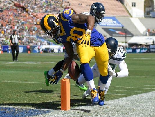 Seahawks-Rams-Football.jpg