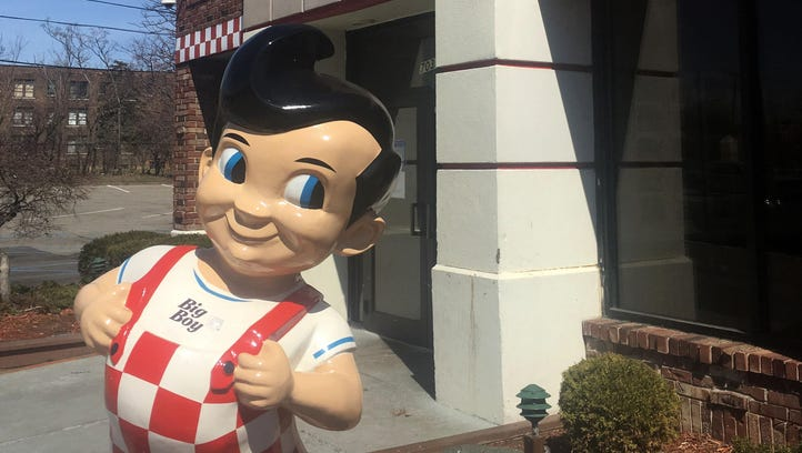 The Big Boy restaurant on East Jefferson near Belle Isle.