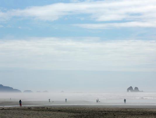OUTDOORS MANHATTAN BEACH