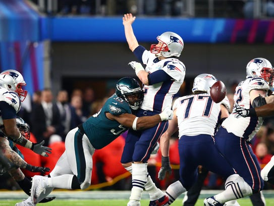 Eagles defensive end Brandon Graham sacks Patriots