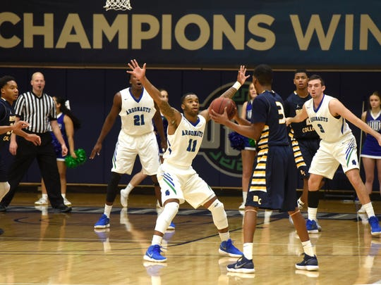 West Florida takes on the Mississippi College Choctaws Sunday, January 7, 2018 during play against at the UWF Fieldhouse.