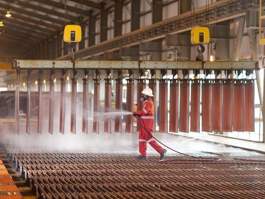 -Tenke Copper Cathode Production.jpg_20091104.jpg