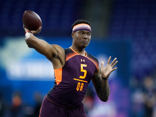 INDIANAPOLIS, IN - MARCH 02: Quarterback Dwayne Haskins of Ohio State works out during day three of the NFL Combine at Lucas Oil Stadium on March 2, 2019 in Indianapolis, Indiana. (Photo by Joe Robbins/Getty Images)
