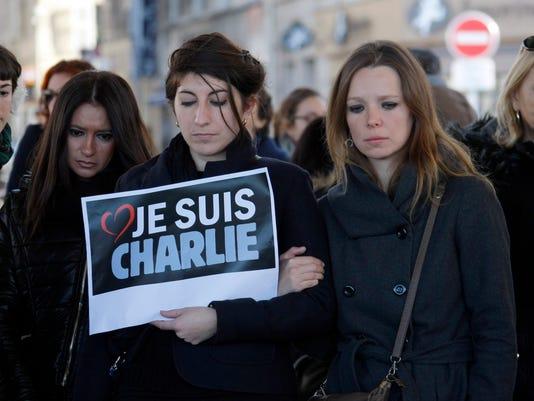 France Newspaper Atta_Buch.jpg
